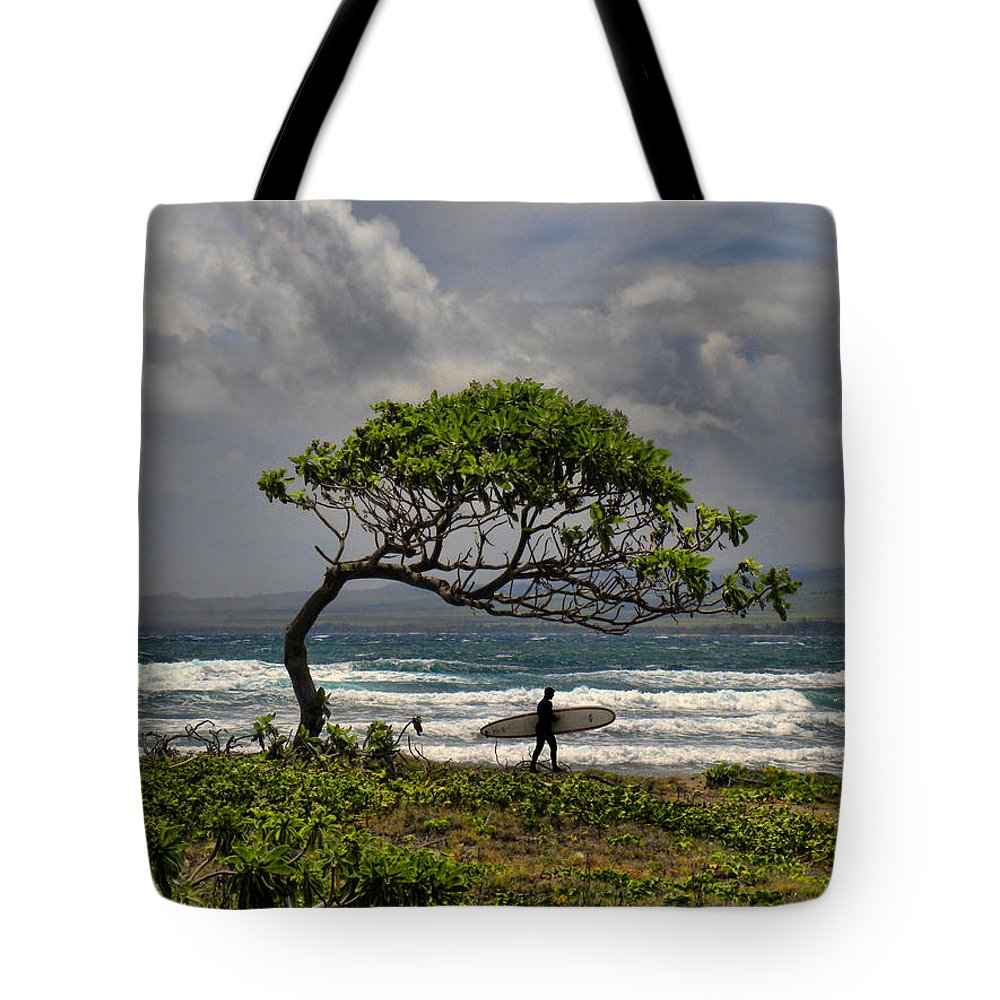 Surfer Tote Bag featuring the photograph 2514 by Peter Holme III