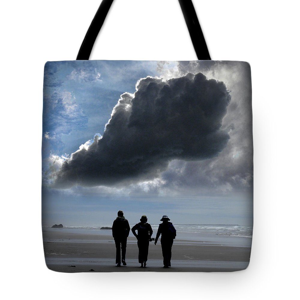 People Tote Bag featuring the photograph 2922 by Peter Holme III