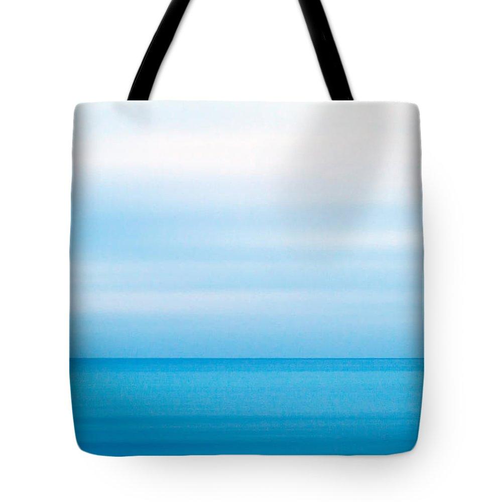 Horizon Tote Bags