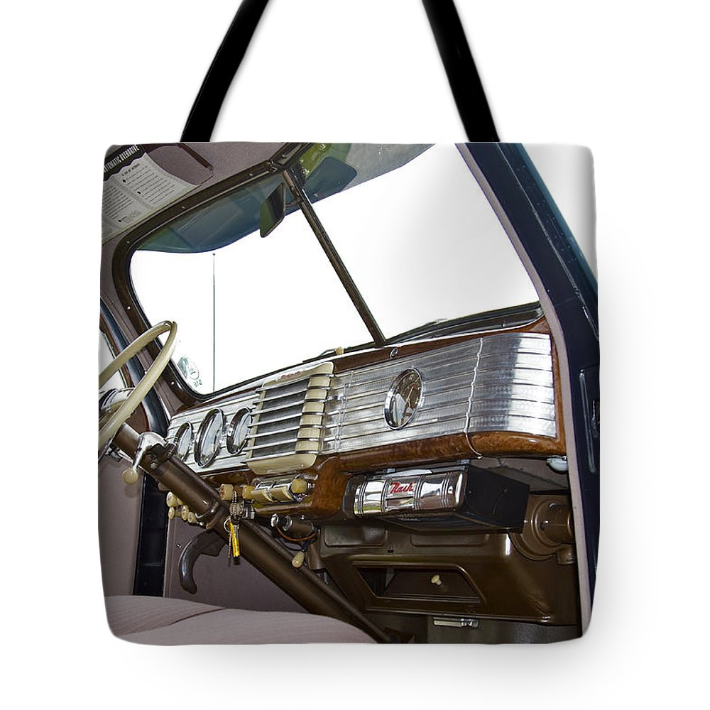 Antique Tote Bag featuring the photograph Nash by Jack R Perry