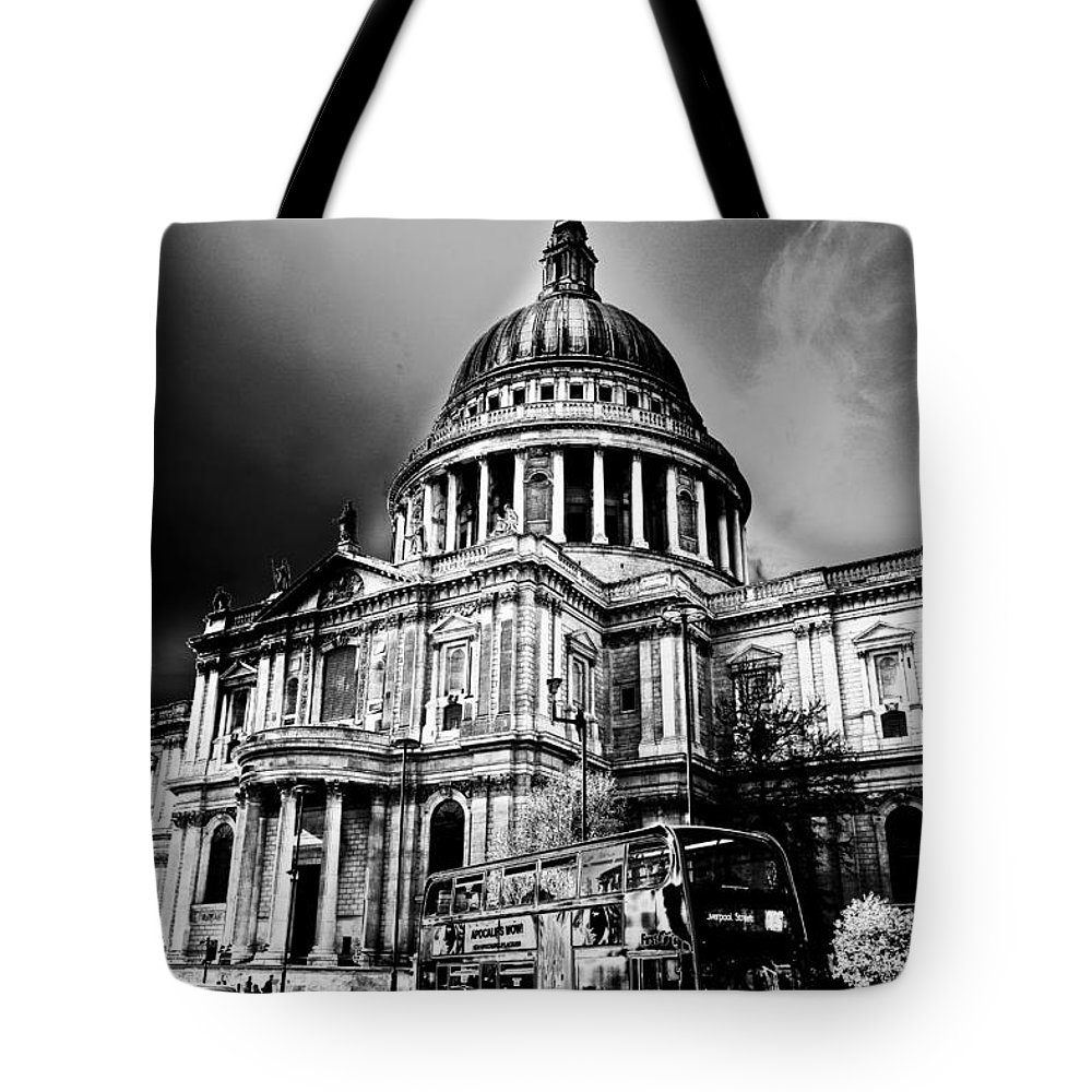 St Pauls Tote Bag featuring the digital art St Pauls Cathedral London Art by David Pyatt