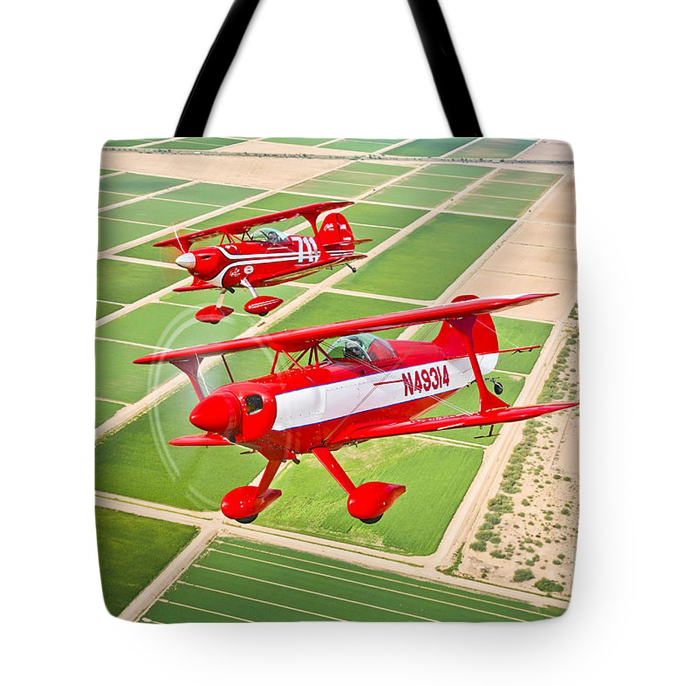 Horizontal Tote Bag featuring the photograph Two Pitts Special S-2a Aerobatic by Scott Germain