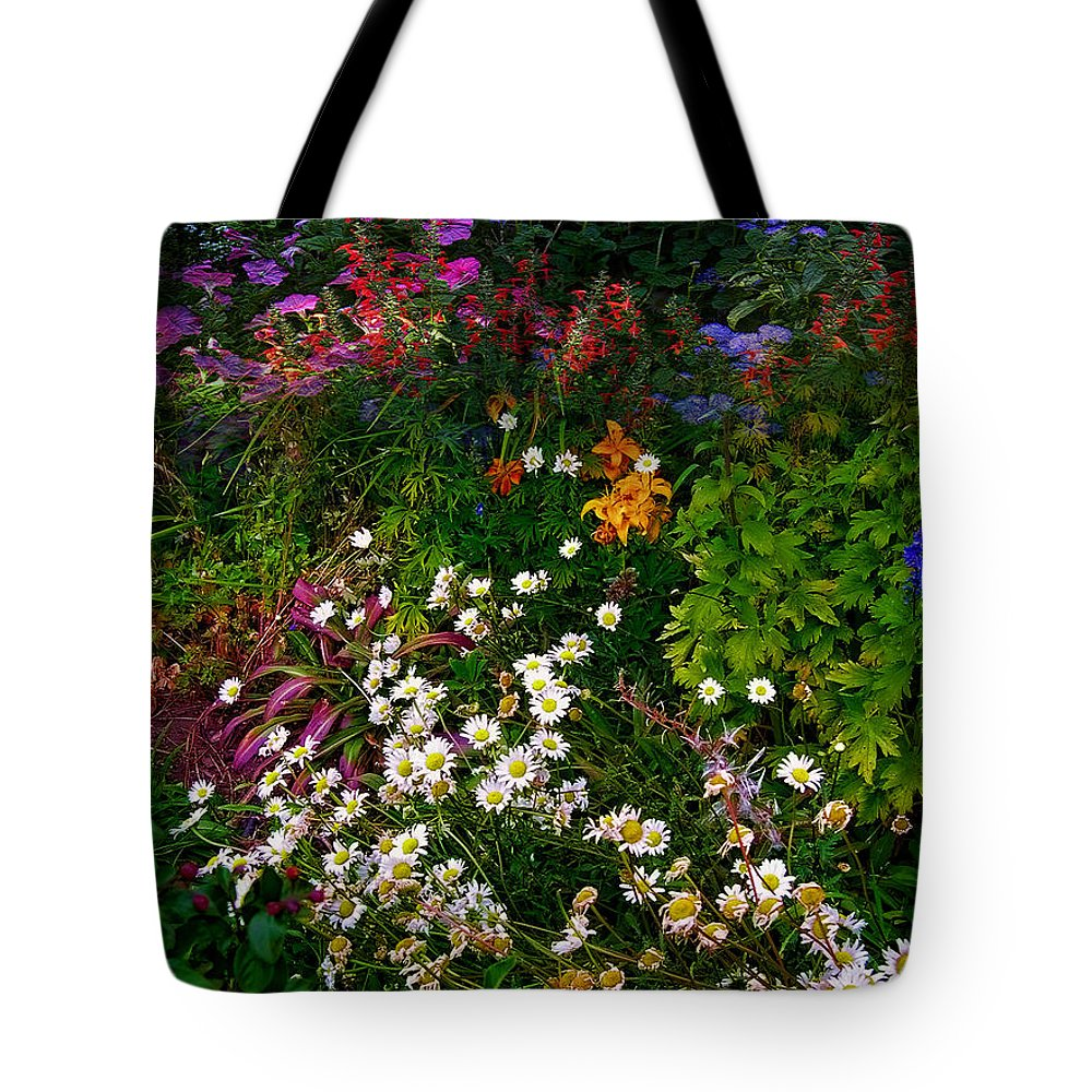 Flowers Tote Bag featuring the photograph 3011 by Peter Holme III