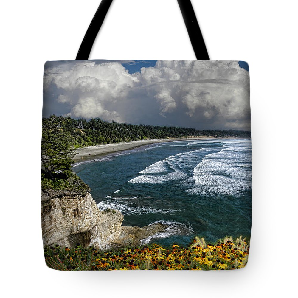 Flowers Tote Bag featuring the photograph 3012 by Peter Holme III