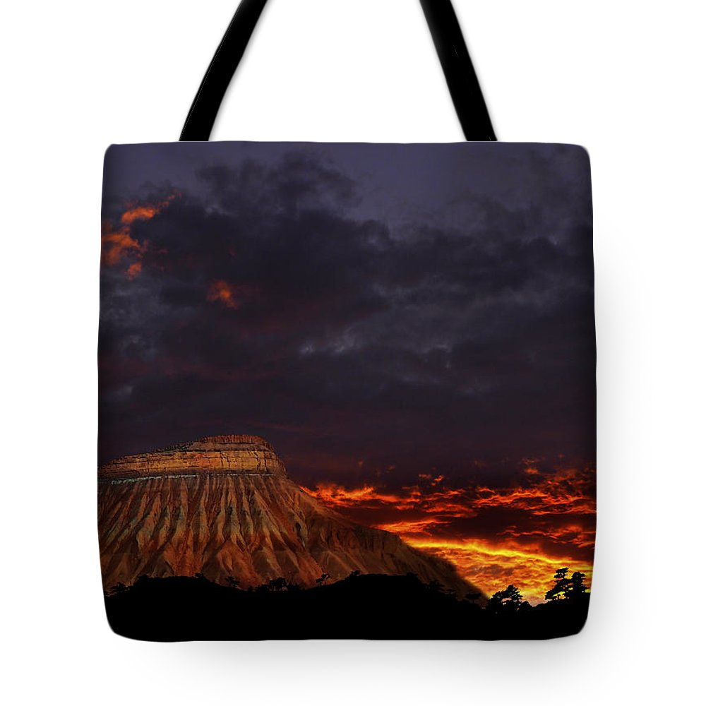 Mountains Tote Bag featuring the photograph 3223 by Peter Holme III