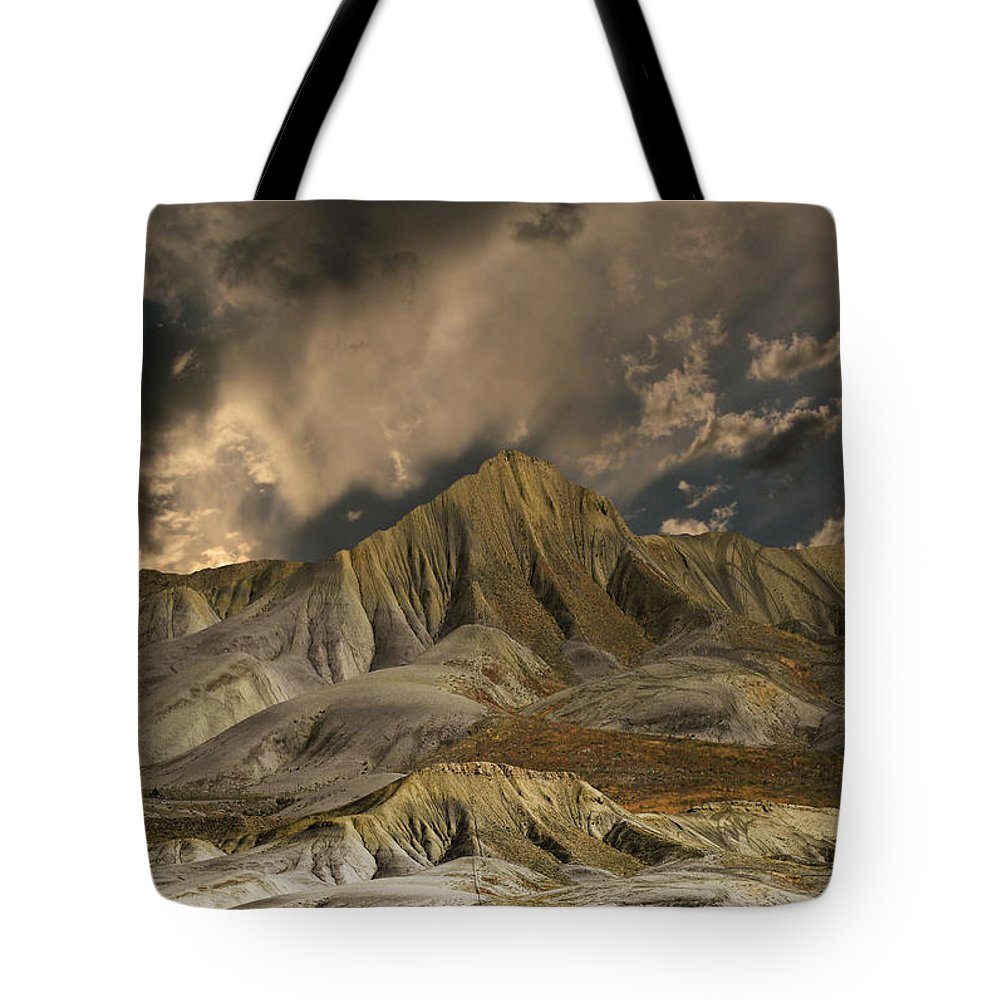 Mountains Tote Bag featuring the photograph 3568 by Peter Holme III