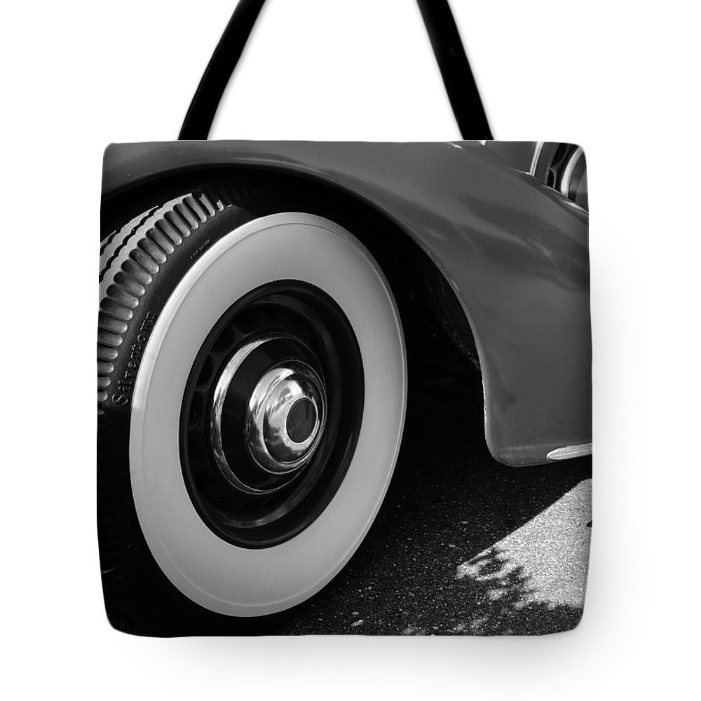 1939 Lincoln Zepher Tote Bag featuring the photograph 39 Lincoln Zephyr Fender by David Lee Thompson