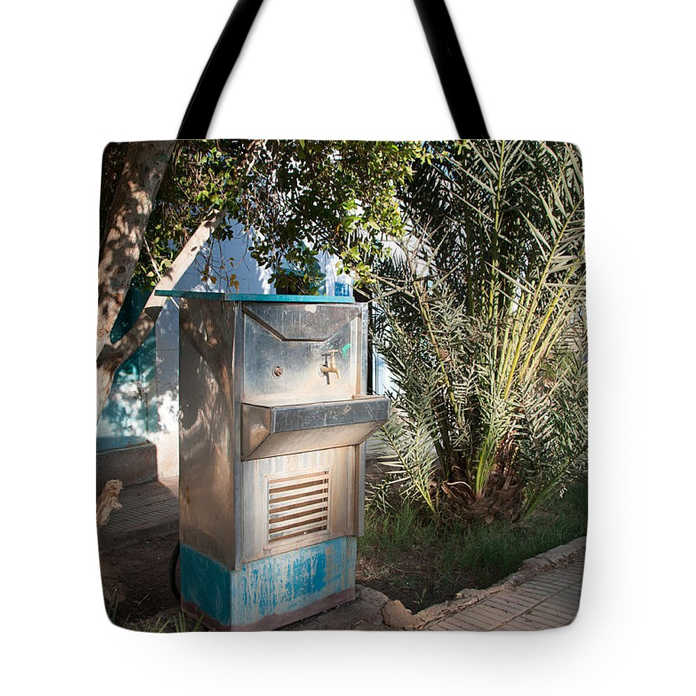 Drinking Water Tote Bag featuring the digital art Dakhla by Carol Ailles