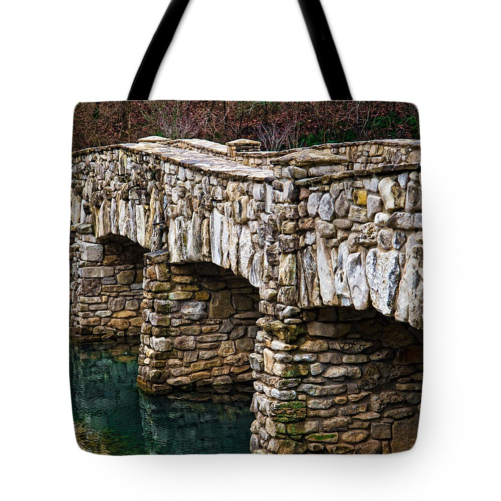 Stone Bridge Tote Bag featuring the photograph Dogwood Canyon Nature Park Near Branson Mo by Cindy Tiefenbrunn