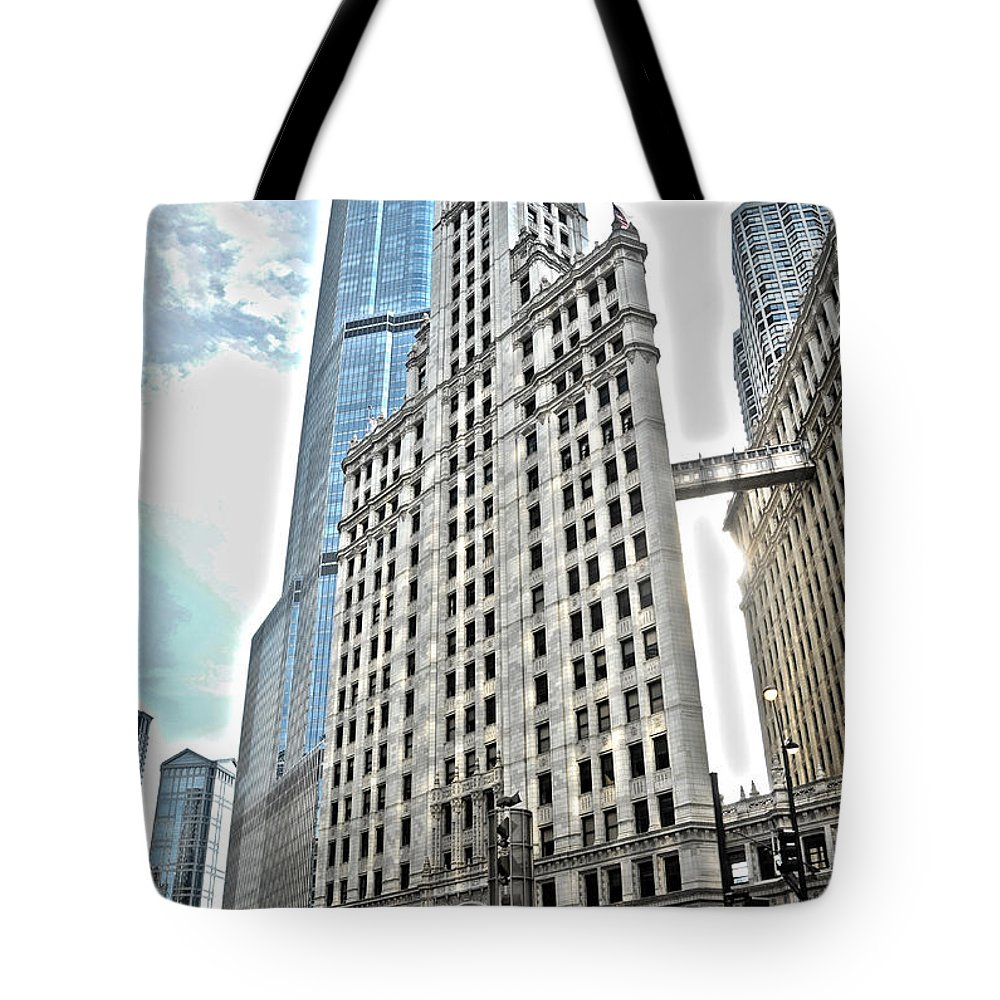 Wrigley Building Tote Bag featuring the photograph Wrigley Building by Patrick Warneka