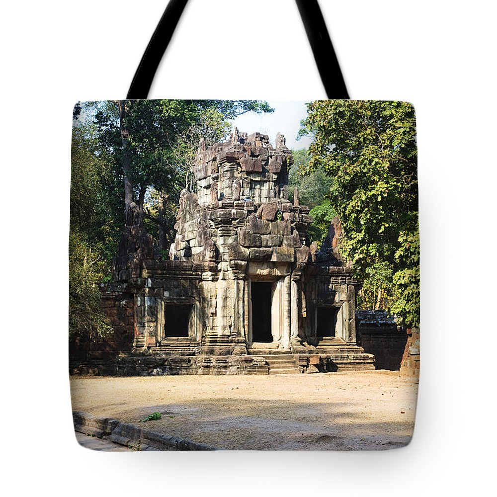 Unesco Tote Bag featuring the photograph Angkor Thom by David Davis