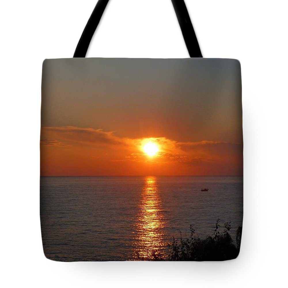 Sun Tote Bag featuring the photograph Sunset by FL collection