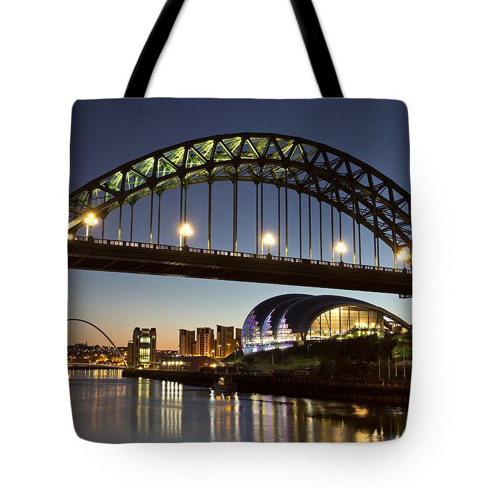 Tyne Bridge Tote Bag featuring the photograph Tyne Bridge by David Pringle