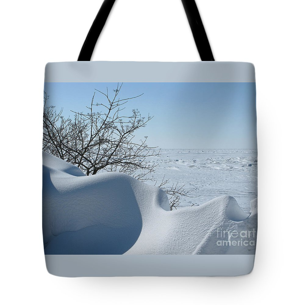 Winter Tote Bag featuring the photograph A Gentle Beauty by Ann Horn