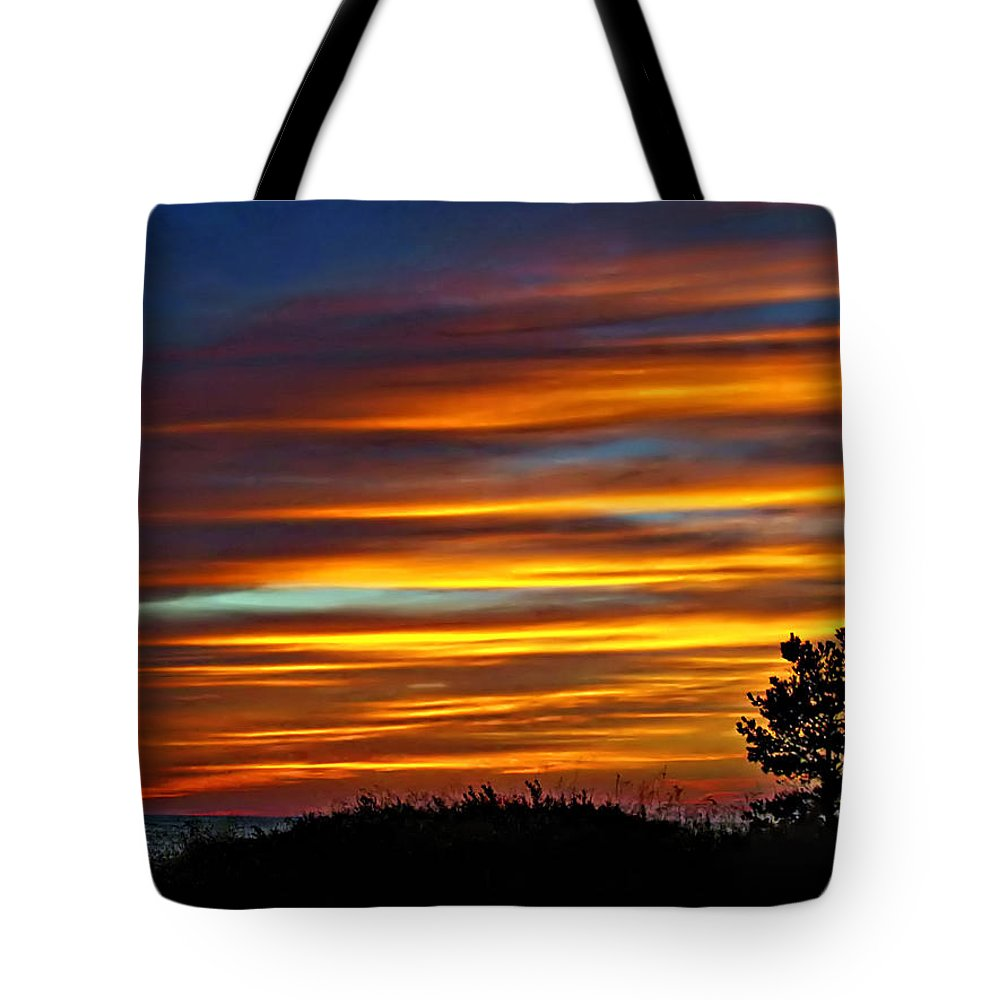 Sunset Tote Bag featuring the photograph A Night To Remember by Steve Harrington