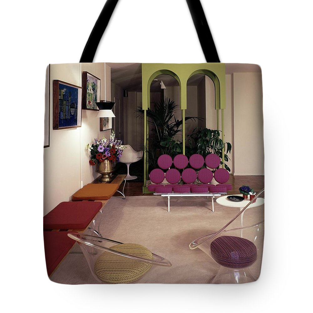 Eugene Tanawa Tote Bag featuring the photograph A Retro Living Room by Tom Leonard