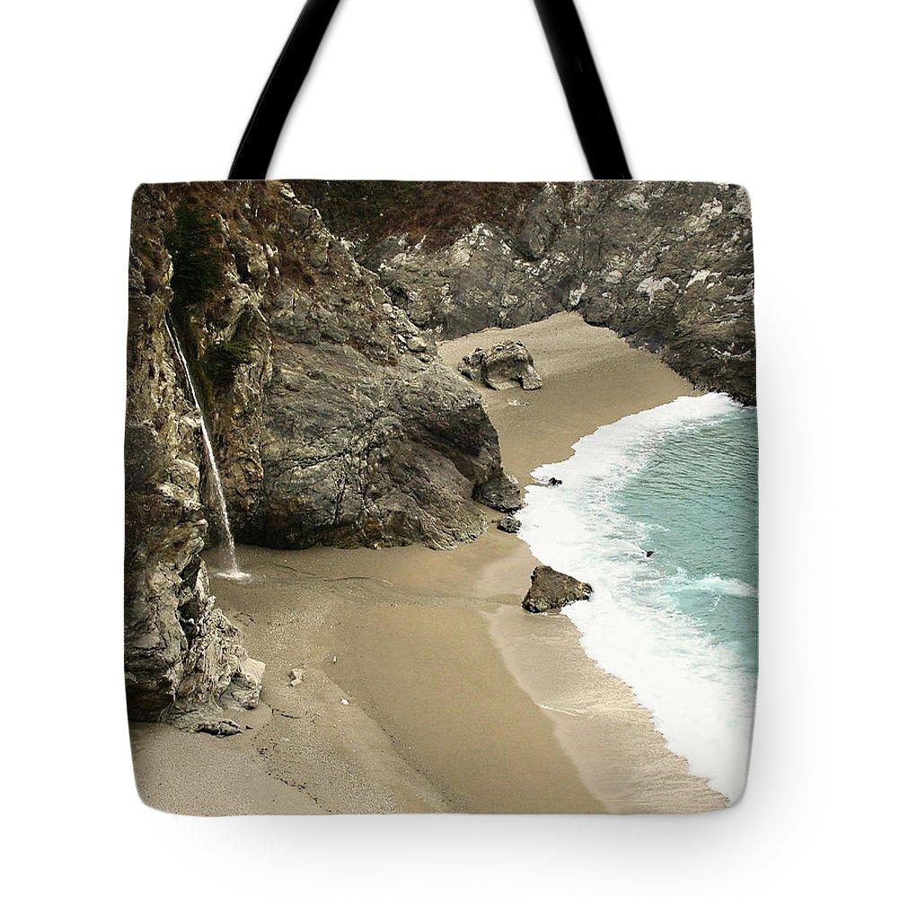 A Secret Place Tote Bag featuring the photograph A Secret Place by Ellen Henneke