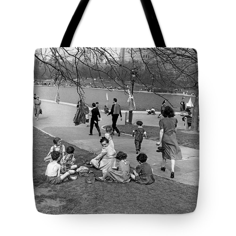 1941 Tote Bag featuring the photograph A Spring Day In Central Park by Underwood Archives