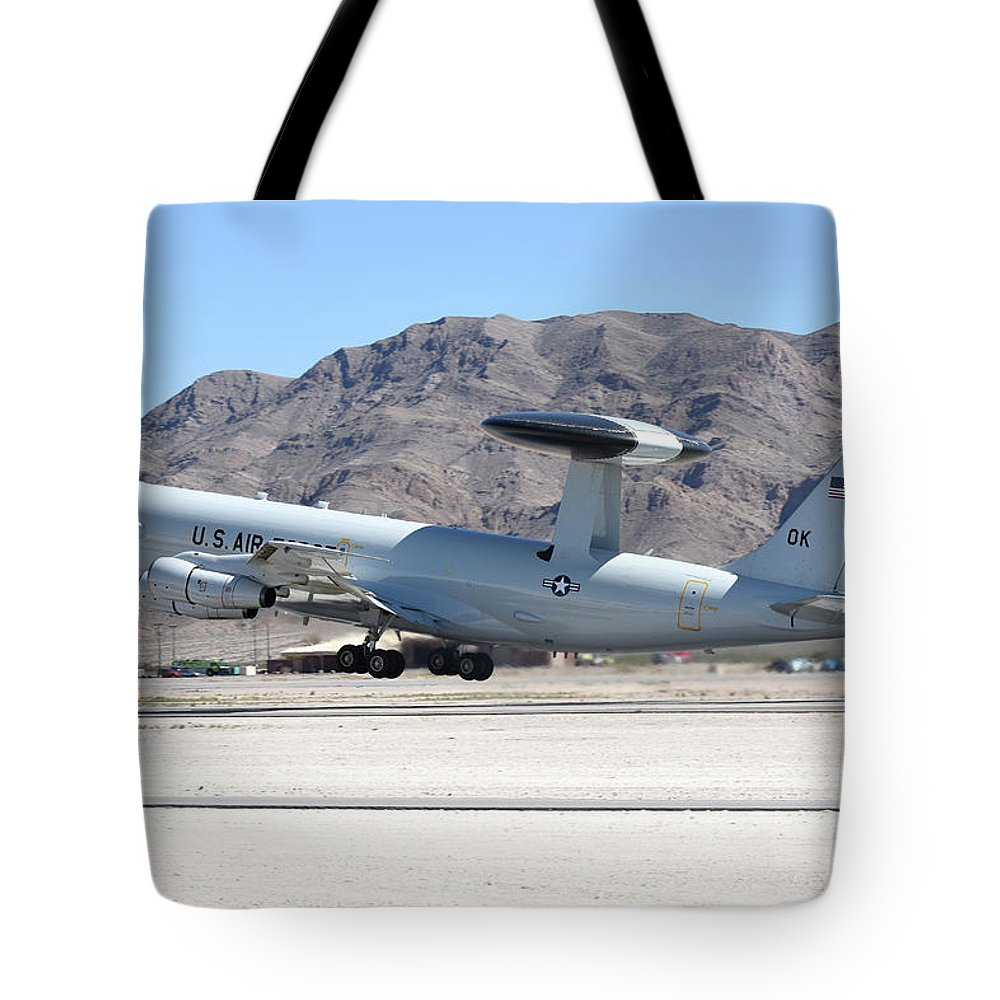 Nellis Air Force Base Tote Bag featuring the photograph A U.s. Air Force E-3a Sentry Taking by Riccardo Niccoli