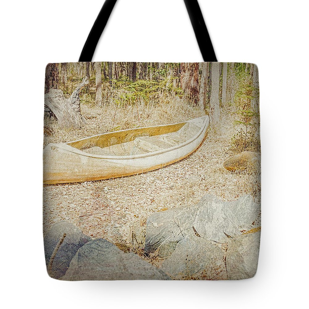 Canoe Tote Bag featuring the photograph Abandoned by Elaine Teague