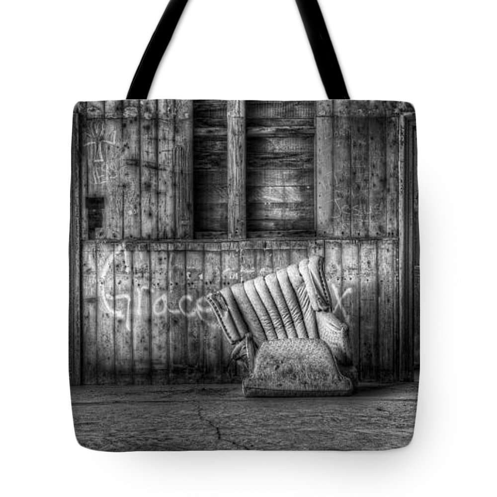 Hdr Tote Bag featuring the photograph Grace by Scott Norris