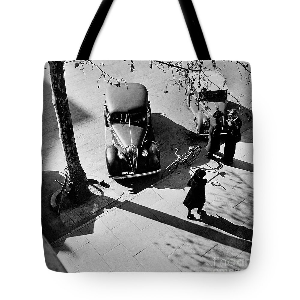 Adelaide Tote Bag featuring the photograph Adelaide by Paul Fearn