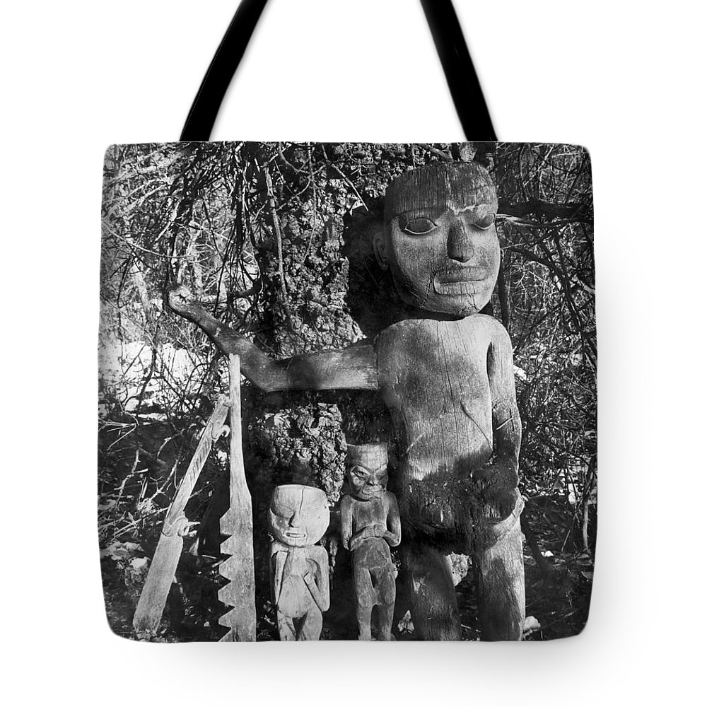 1895 Tote Bag featuring the photograph Alaska: Eskimo Grave by Granger