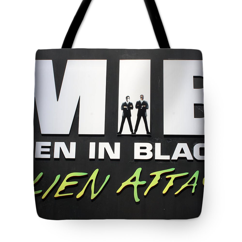 Orlando Tote Bag featuring the photograph Alien Attack by David Nicholls