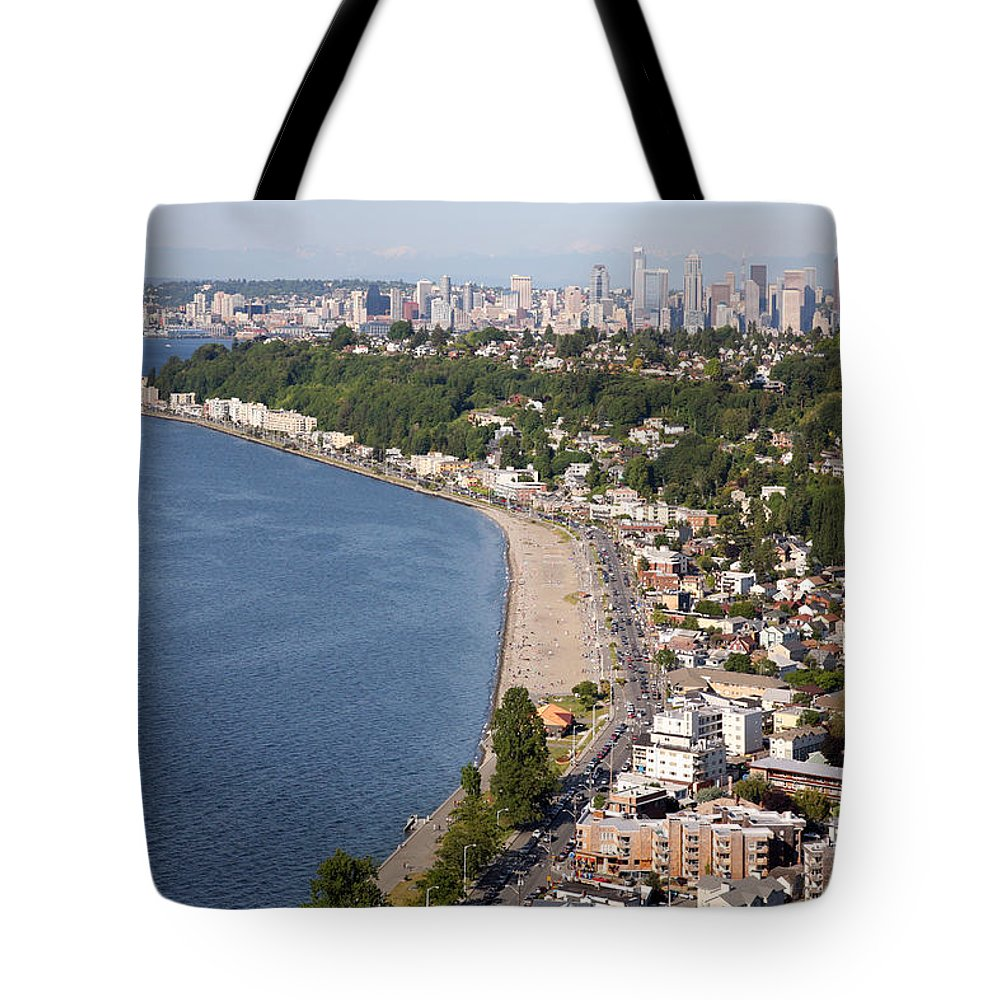 Hamilton Viewpoint Tote Bag featuring the photograph Alki Beach And Downtown Seattle by Bill Cobb