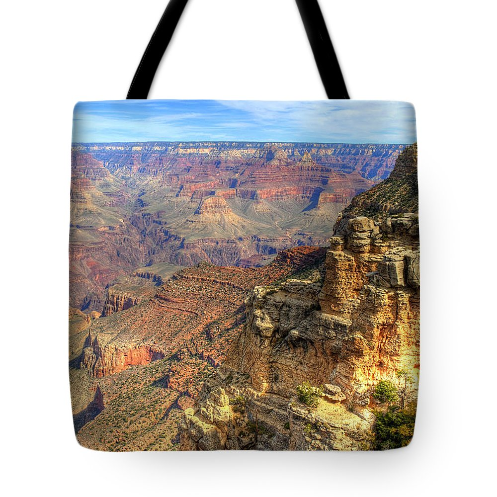 The Grand Canyon Tote Bag featuring the photograph Amazing Colors Of The Grand Canyon by K D Graves