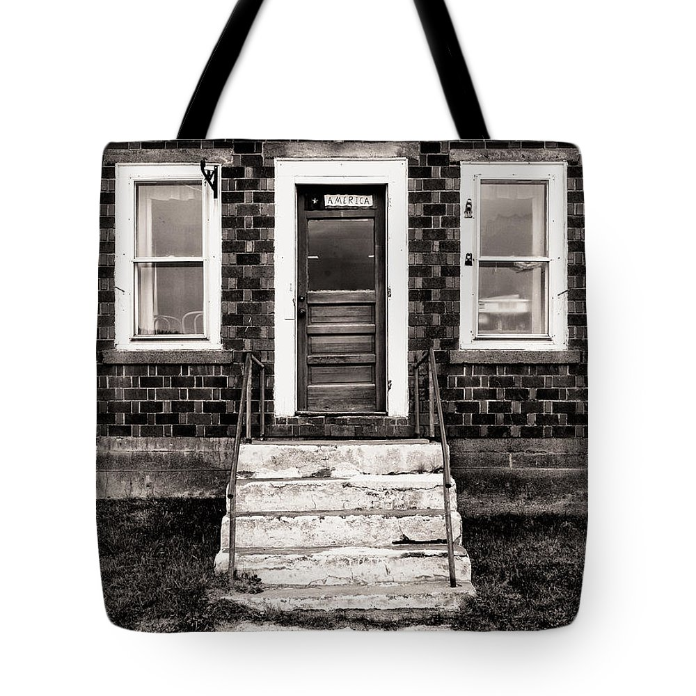 Black And White Tote Bag featuring the photograph An America Home by Jerry Fornarotto