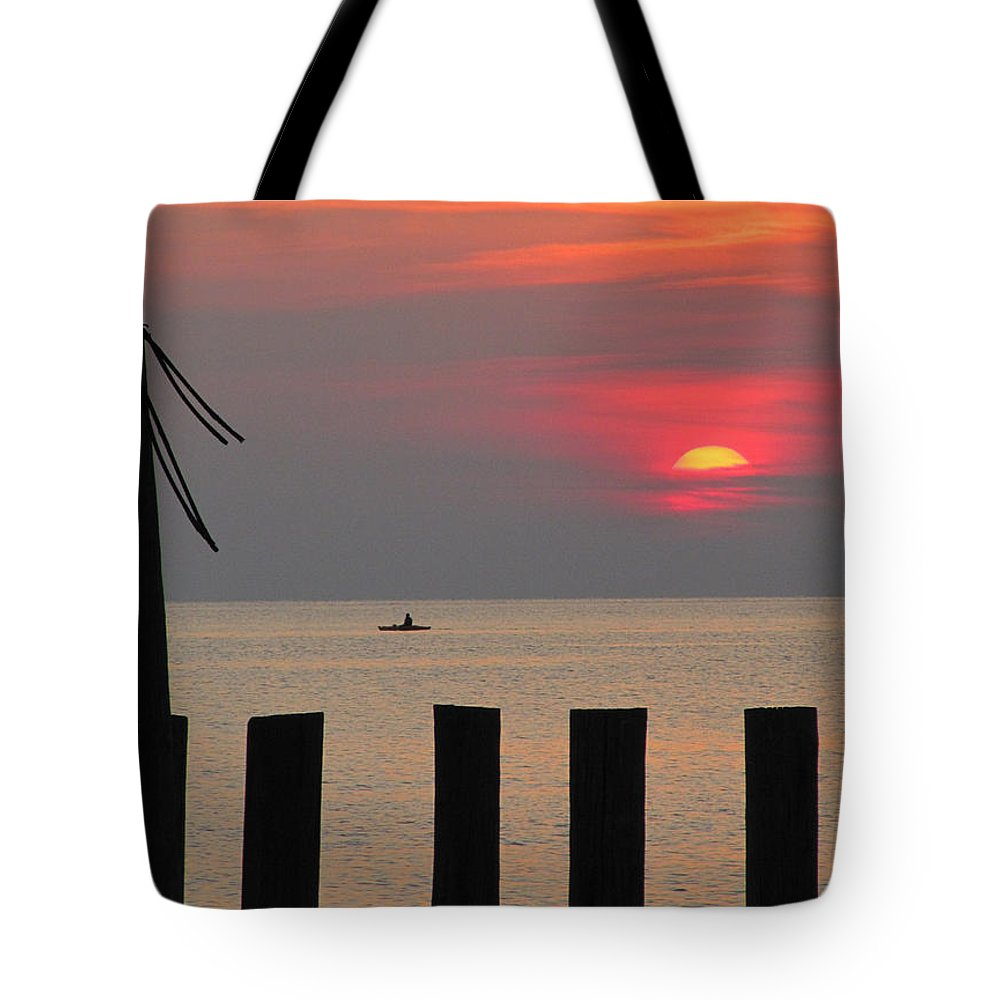 Sunset Tote Bag featuring the photograph Another Sunset by Richard Reeve