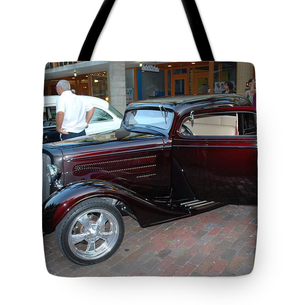 Downtown Ft.myers Tote Bag featuring the photograph Antique Coupe by Robert Floyd