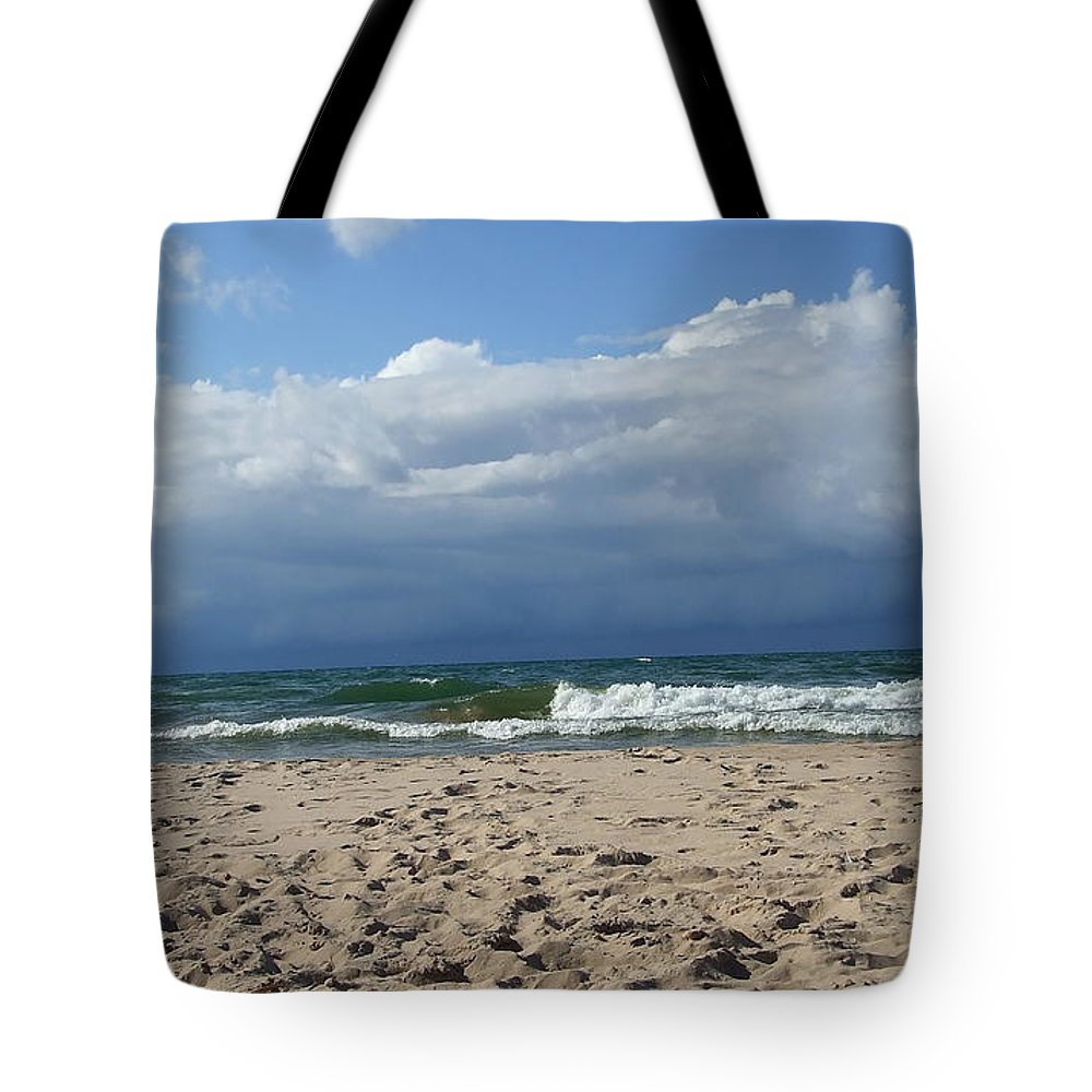 Clouds Tote Bag featuring the photograph Approaching Storm by Susan Wyman