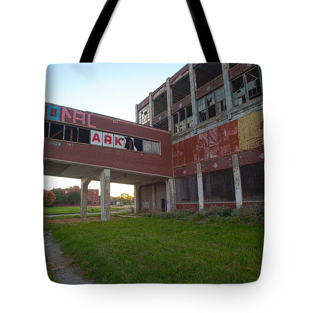 Ark Tote Bag featuring the photograph Ark At The Packard Plant by Steven Dunn