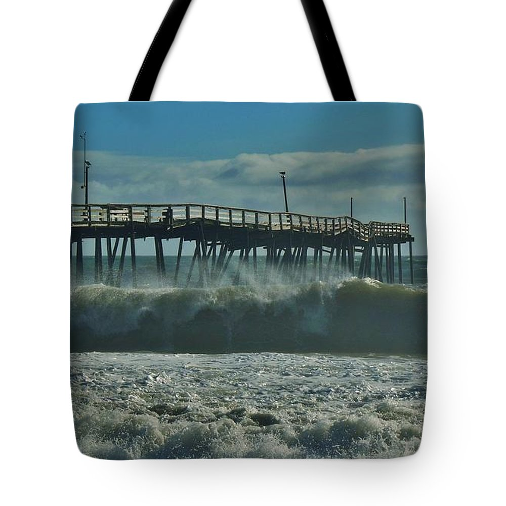 Mark Lemmon Cape Hatteras Nc The Outer Banks Photographer Subjects From Sunrise Tote Bag featuring the photograph Avon Pier 2 10/10 by Mark Lemmon