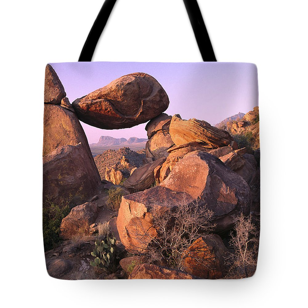 Big Bend Tote Bag featuring the photograph Balanced Rock In The Grapevine by Tim Fitzharris