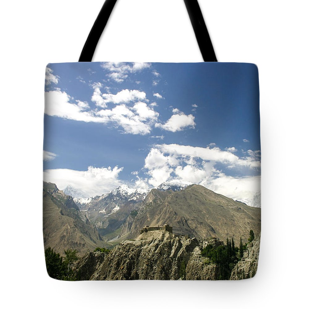 Hunza Tote Bag featuring the photograph Baltit Fort In Hunza In Pakistan by Didier Marti