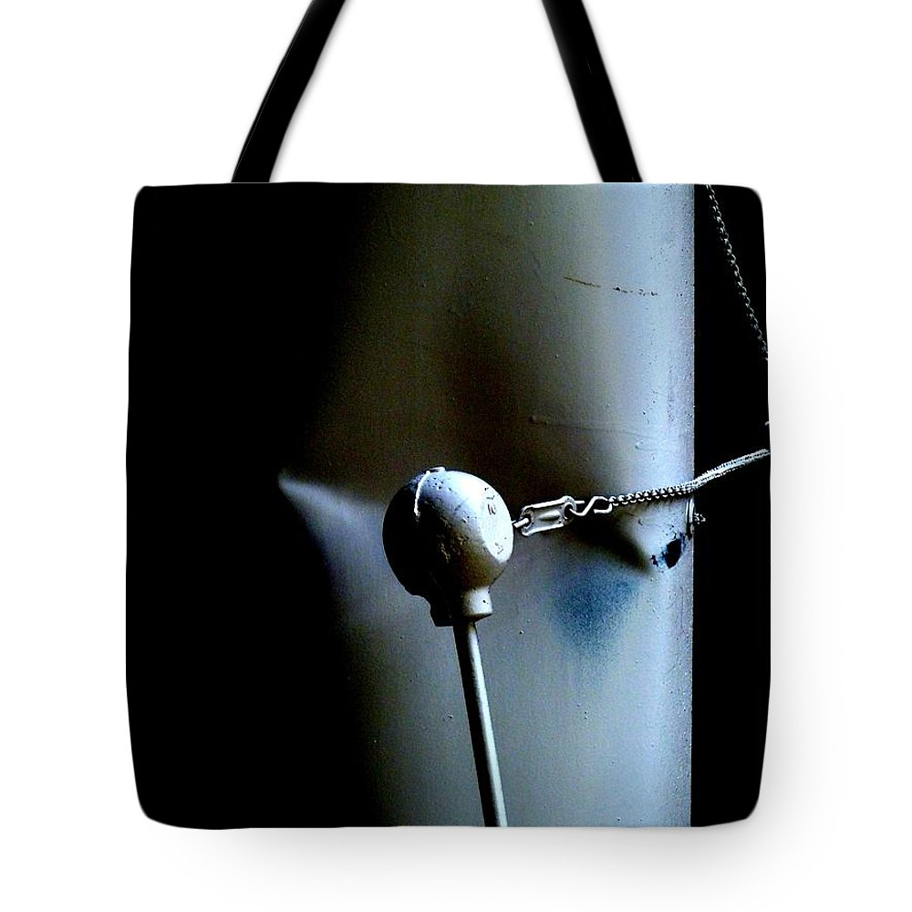 Newel Hunter Tote Bag featuring the photograph Banging Heads by Newel Hunter