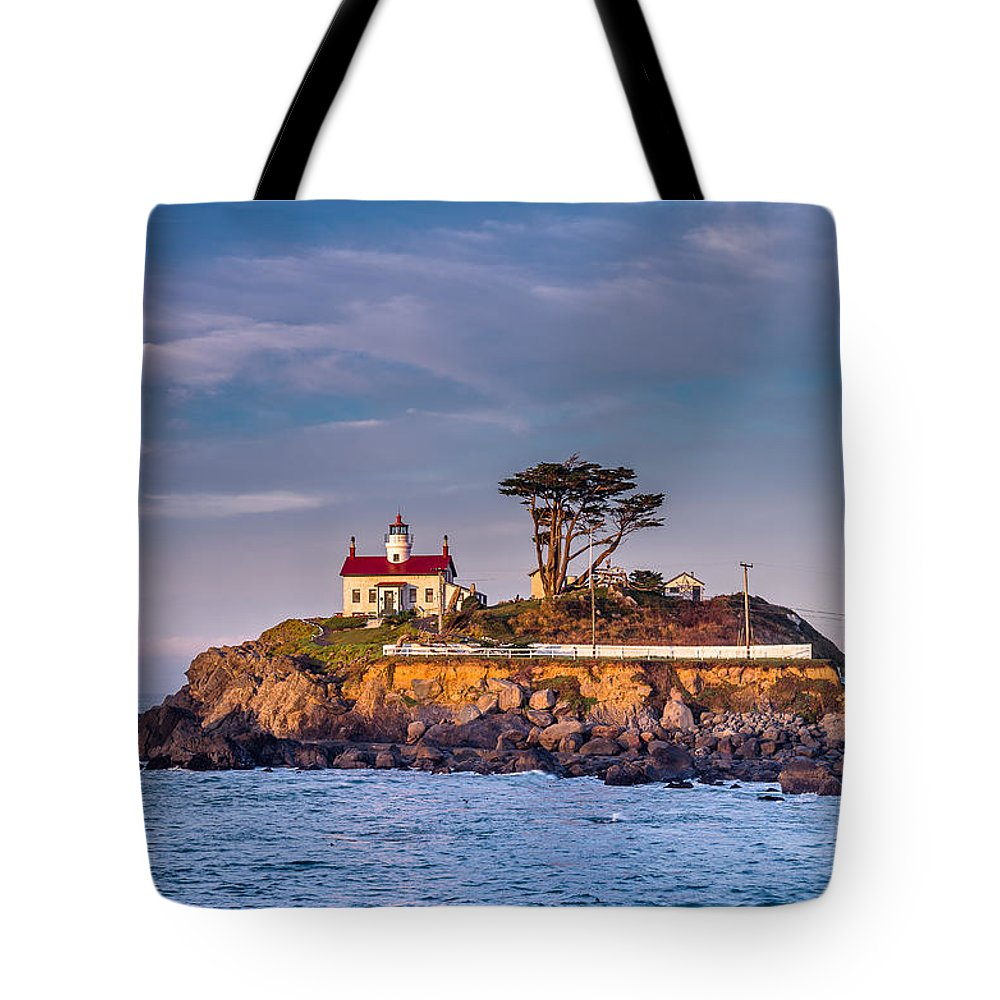 Sunrise Tote Bag featuring the photograph Battery Point Lighthouse Morning by Greg Nyquist