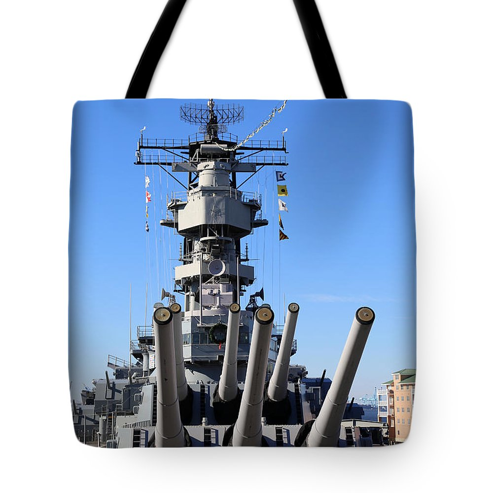Bb 64 Tote Bag featuring the photograph Battleship Wisconsin B B 64 by Dwight Cook