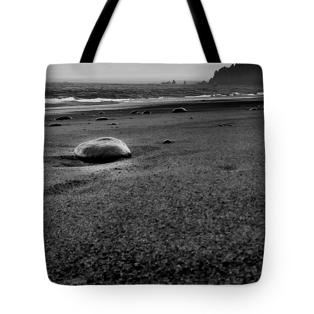 Gigimarie Tote Bag featuring the photograph Beached by Gina Herbert