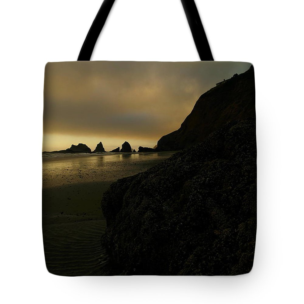 Oregon Tote Bag featuring the photograph Beauty Around The Corner by Jeff Swan
