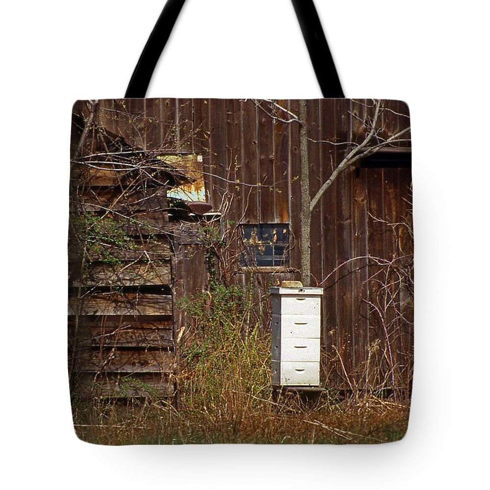 Cenic Tours Tote Bag featuring the photograph Bee Keepers Venue by Skip Willits