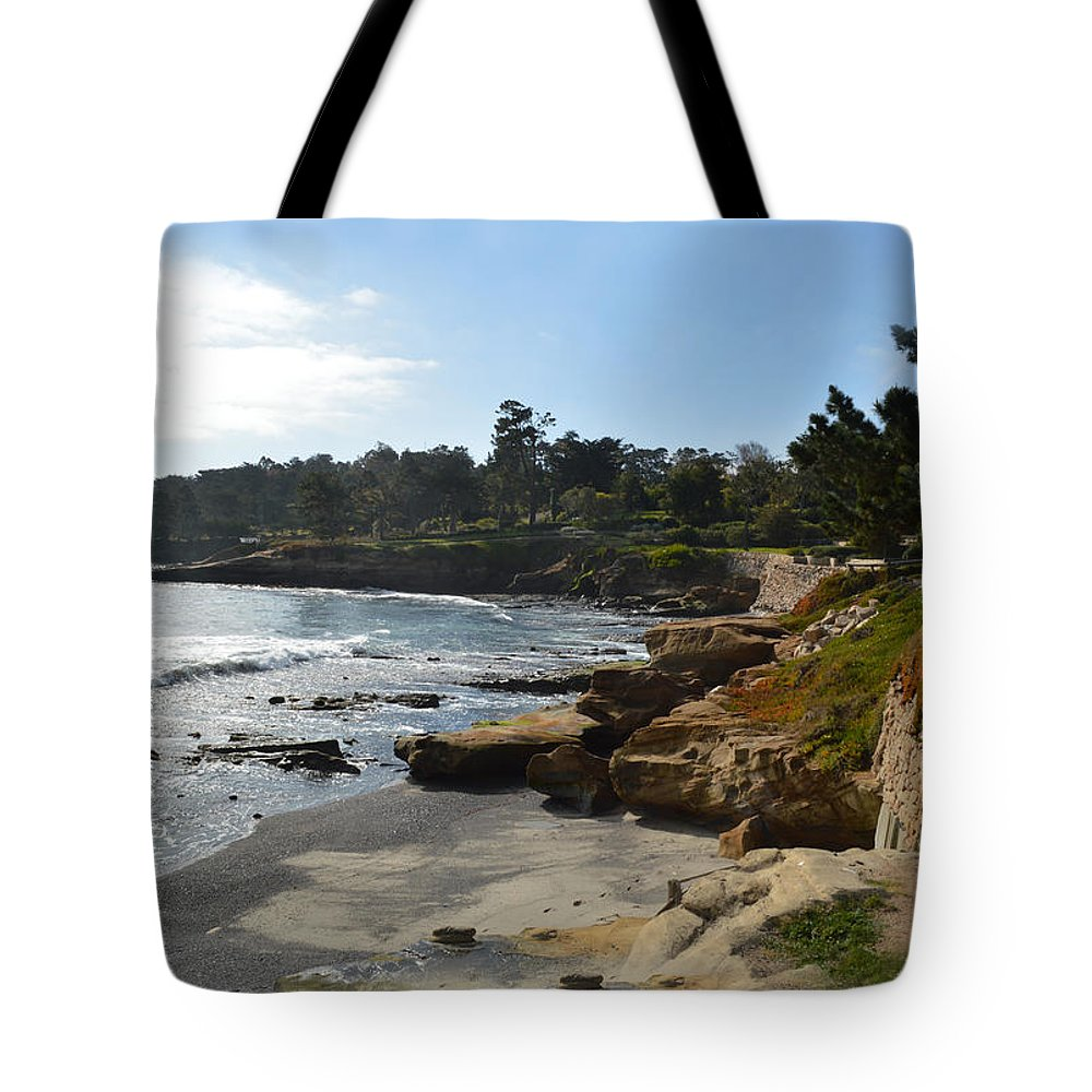 Golf Course Tote Bag featuring the digital art Behind The 18th At Pebble Beach by Barbara Snyder