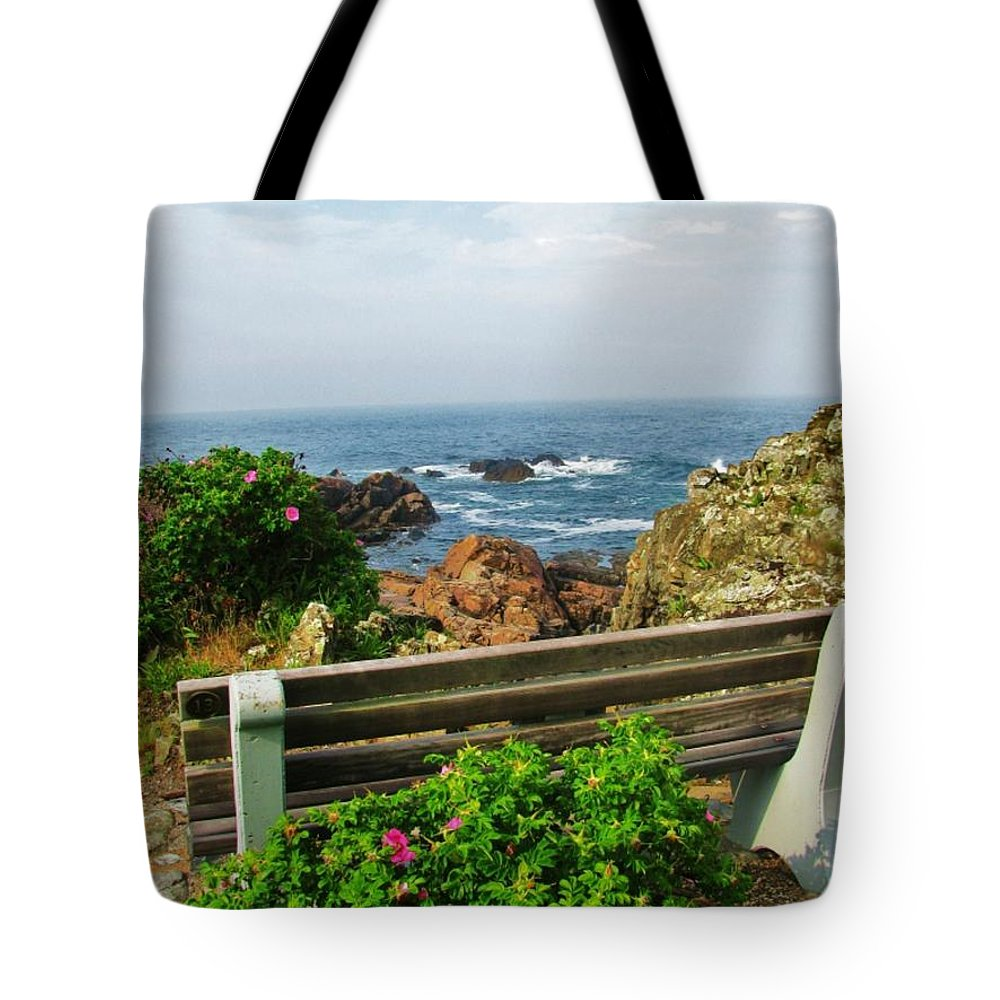 Ogunquit Tote Bag featuring the photograph Marginal Way by Diane Valliere