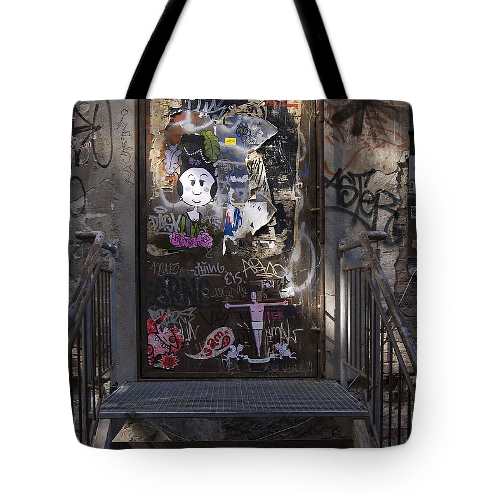 Graffiti Tote Bag featuring the photograph Berlin Graffiti - 2 by RicardMN Photography