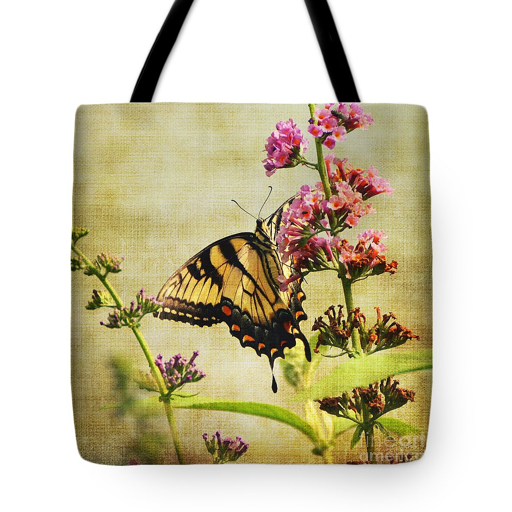 Butterfly Tote Bag featuring the photograph Best View by Judy Wolinsky