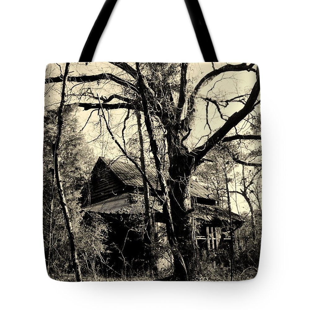 Black Tote Bag featuring the photograph Black And White Barn by Lisa Wooten