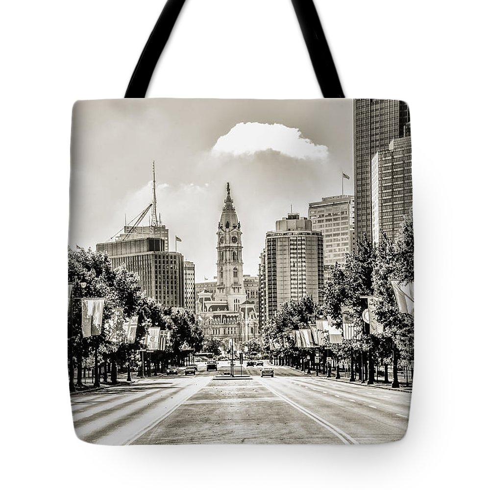 Black Tote Bag featuring the photograph Black And White Benjamin Franklin Parkway by Bill Cannon